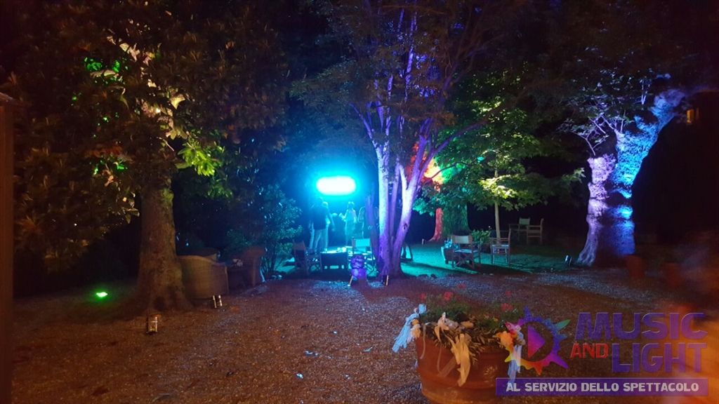 Weddin Servizi per Matrimoni in Toscana Fattoria Mansi Bernardini Par Led battery e String Light